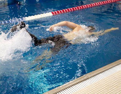 Una protesi in carbonio per nuotare